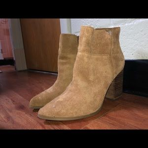 Argyle Heels